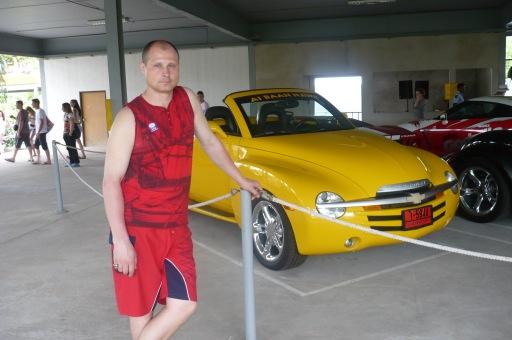 Одна из многих машин хозяина парка Нонг Нуч