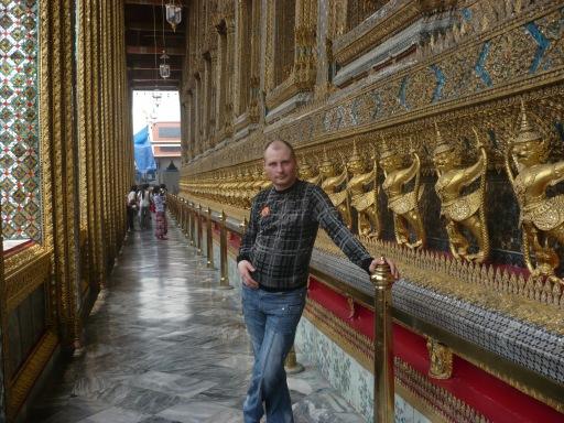 Храм изумрудного Будды словами не описать, это надо видеть