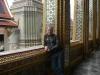 Возле храма изумрудного будды