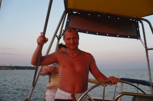 Капитан, капитан улыбнитесь! Ведь улыбка - это флаг корабля